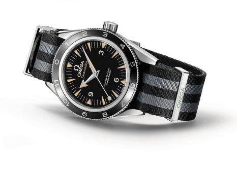 241-The_OMEGA_Seamaster_300_Bond_233.32.41.21.01.001_white_background_2