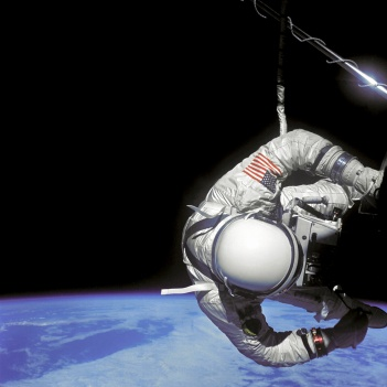 451-Gemini_4_mission_June_1965_1