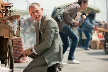 Daniel Craig stars as James Bond in Metro-Goldwyn-Mayer Pictures/Columbia Pictures/EON ProductionsÕ action adventure SKYFALL.