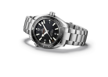 241-SE108_Bond_watch_Planet_Ocean_42mm