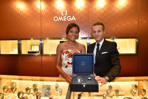 TOKYO, JAPAN - NOVEMBER 30: Naomie Harris (L) and OMEGA SA Vice President and Global Director of Sales, Retail and Distribution Raynald Aeschlimann (R) visit the OMEGA Ginza boutique during the event celebrating the OMEGA SPECTRE Japan release on November 30, 2015 in Tokyo, Japan. (Photo by Koki Nagahama/Getty Images for OMEGA) *** Local Caption *** Naomie Harris; Raynald Aeschlimann