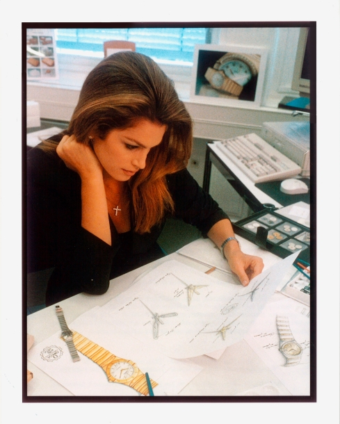 20151201_Cindy_Crawford_working_on_the_Constellation_design_at_Omega_in_Bienne_1_1996