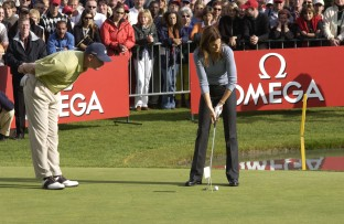 20151201_Cindy_tees_off_with_other_celebrities_at_the_OMEGA_Celebrity_Golf_Tournament_in_Crans_Montana_2002